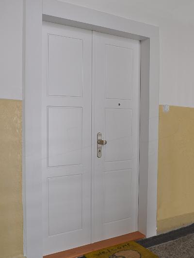 Doppelflügelige tür Zweiflügelige Türen - ADLO